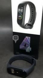Smartwatch Xiaomi Mi Band 4 Relógio Inteligente Versão Globa