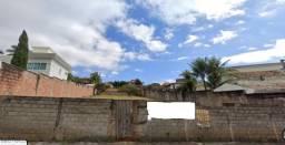Lote 1.000 m² no bairro Bandeirantes.
