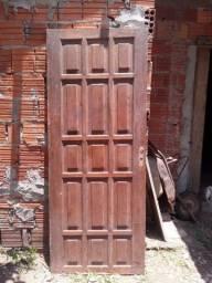 Vende uma porta usada .80 reais ou troco por duas saca de cimento