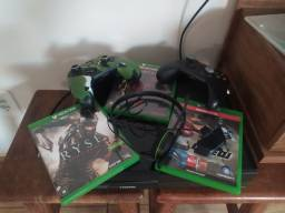 Vende- se Xbox one 500 gb