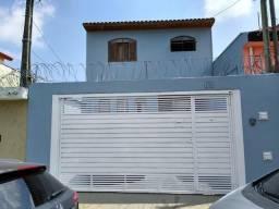 Excelente sobrado e localização (V.Santa Catarina)