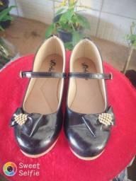 Sapato preto infantil numeração 31.