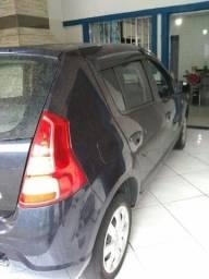 Vende-se um Renault Sandero 1.6 completo