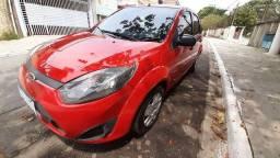 Fiesta Hatch 1.0 Zetec Rocan Flex ano 2013 Cor Vermelha Completo