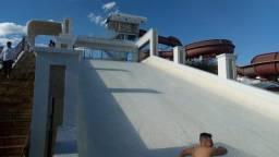 Apartamento com suite com ar condicionado e um lindo parque aquatico com 11 piscinas