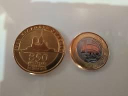 Lote de moedas estrangeiras.
