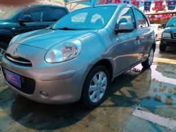 Nissan March completo 2013