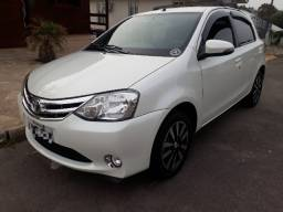 Vendo Toyota Etios Platinum 2015