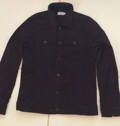 Jaqueta masculina preta , está praticamente nova.