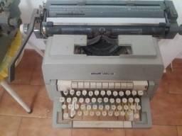 Vendo 2 Máquinas de Datilografia