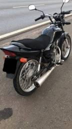 Moto cg125 *atrasada*ñ é de leilão.