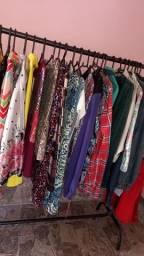 Vendo roupas semi novas $5 reais por peça acima d 100 reais pode escolher