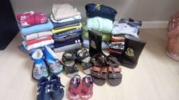 Vendo lote fechado roupas menino 2/4 anos e calçados 19 ao 26