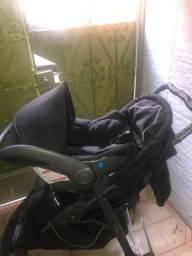 Carrinho c/ bebê conforto