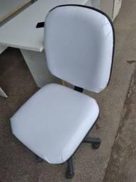 Cedeiras para escritório reformadas