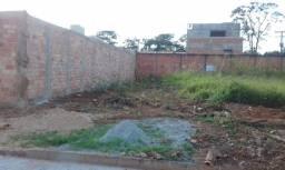 Lote de Esquina 408 mts2 - Jardim Petrópolis - saída p Trindade - atrás da Creme e Mel