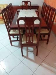 Vendo Mesa de Jantar 8 cadeiras