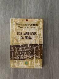 Livro Nos labirintos da moral