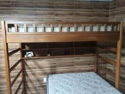 Cama beliche de madeira