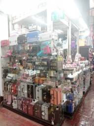 Vendo excelente ponto de maquiagem e Cosmeticos na feira do sia