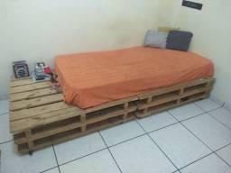 Pallets para cama ou sofá - DOURADOS