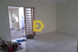 Casa à locação no bairro COUNTRY VILLE, ARAÇATUBA cod:31575