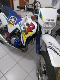 Vendo moto DT 200