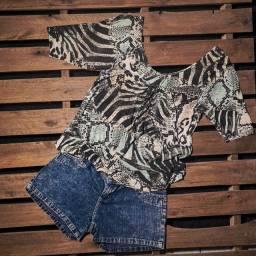 Blusa estampada / short jeans