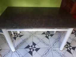 Mesa de mármore (sem cadeiras)