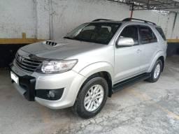 Toyota hilux 2014 SW4 3.0 SRV 4X4 turbo intercooler diesel 7L automatico unico dono