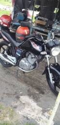 Vendo uma moto conservada , com Dut.assinado
