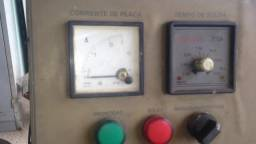 Máquina solda lona por rádio frequência