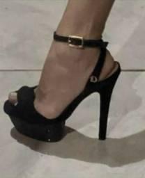 Sandália Carmen Steffens tamanho 33