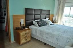 Compartilho quarto em apartamento