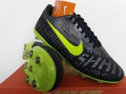 Chuteira Campo Nike Black Neon