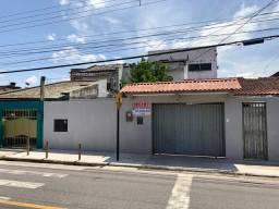 Casa com 5/4 no Bairro Castanheira
