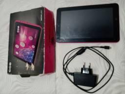 Tablet CCE TR92P 9 polegadas usado, não liga, tela sem riscos e carregador