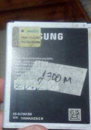 Bateria j700m