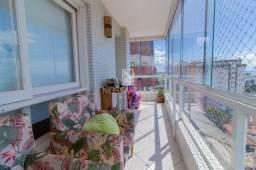 Lindo apartamento, 1 por andar, vista limpa e eterna para o mar