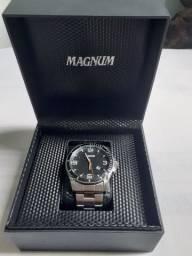 Relógio Magnum Semi-Novo na Caixa
