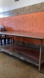 Mesa de manipulação em inox 2.20 x 1.20