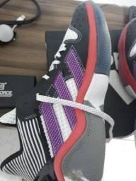 Tênis Adidas harden stapback original