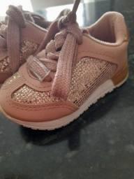 Vendo os 4 sapatos infantil