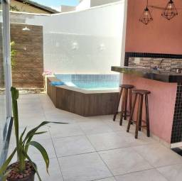 Casa com 3 suítes e com piscina no condominio Costa Paradiso
