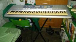 teclado yamaha modelo dxg 200