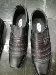 3pares de sapato de couro