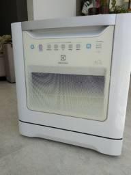 Lava-louças Eletrolux 8 serviços, branca, 127V, em perfeito funcionamento (4 anos de uso)