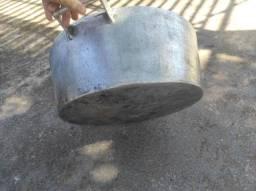 Panela de alumínio batido grande 18x50 cm 20 litros com tampa