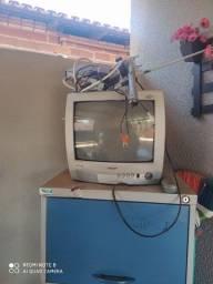 Vendo tv 14 polegadas mas conversor antena sem controle do conversor mas tudo funcionando