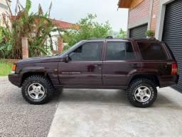 Jeep Grand Cherokee Laredo 4.0 6 cilindros 1997. Impecável.